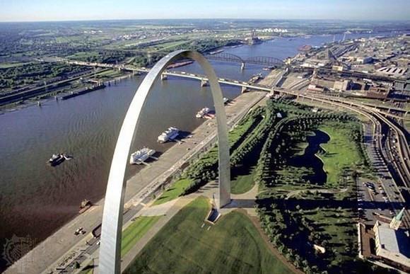 Thang máy Gateway Arch - Missouri