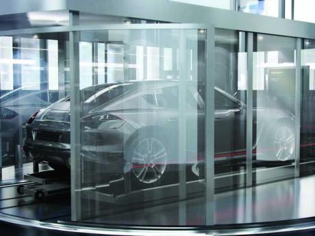 Thang máy chở siêu xe