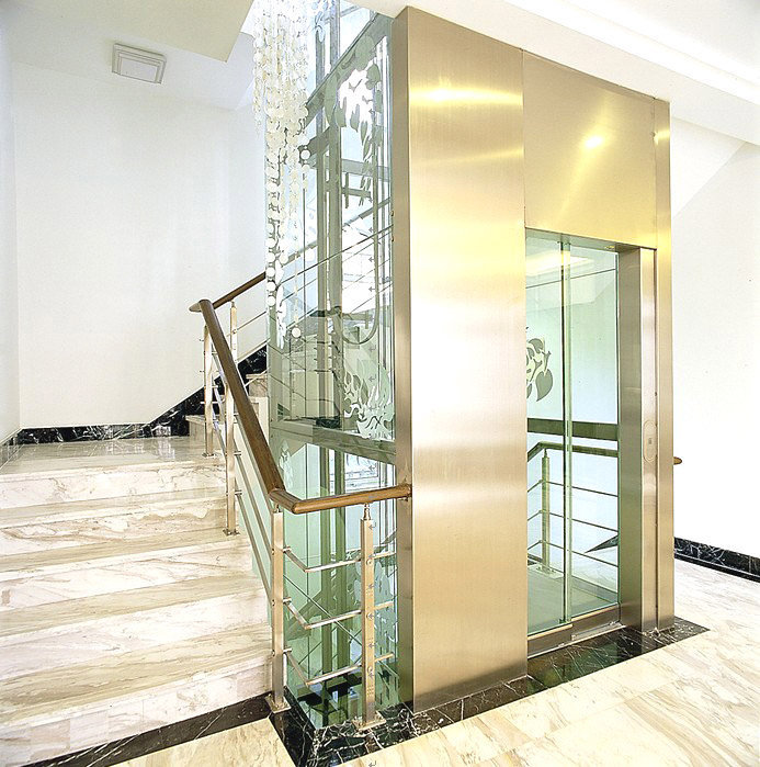 Cầu thang máy gia đình bằng kính