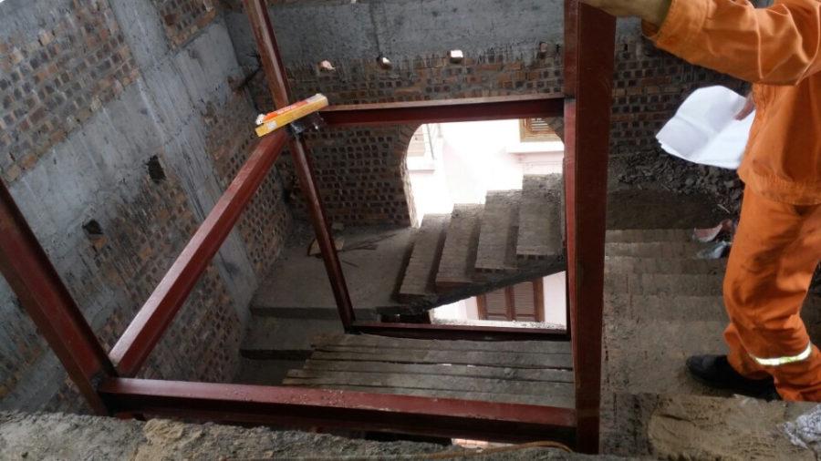 Diện tích thang máy