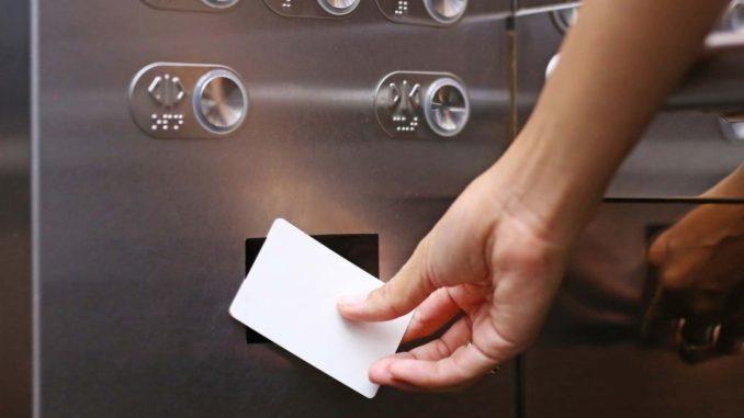 Thẻ từ không phân tầng cho thang máy